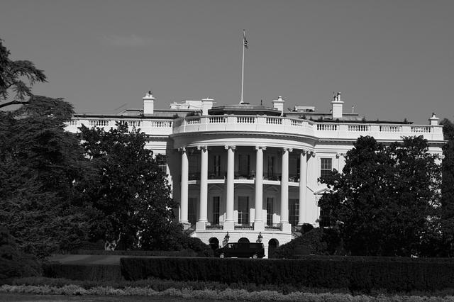 Picture of White House.