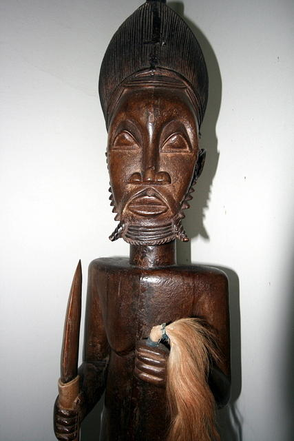 Picture of statue.