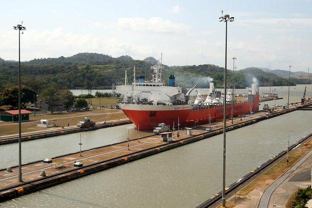 Picture of boat going through the Panama Canal.
