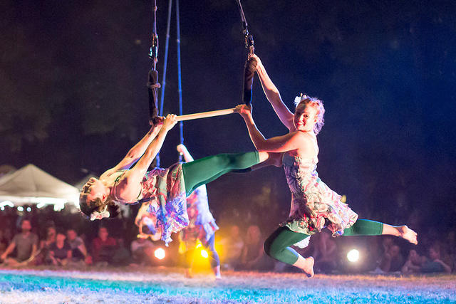 Picture of trapeze artists.