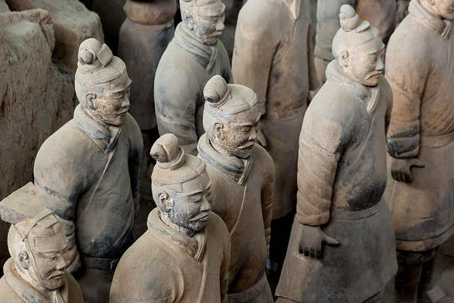 Podcast - Picture of terracotta warriors.