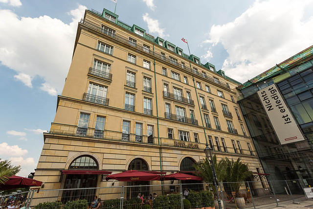 Picture of hotel.