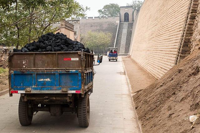 Pingyao: Picture of coal truck.