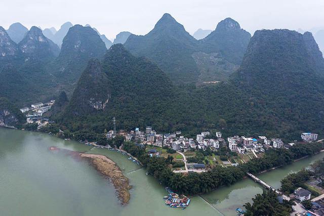 Yangshuo: Picture of Xing Ping.