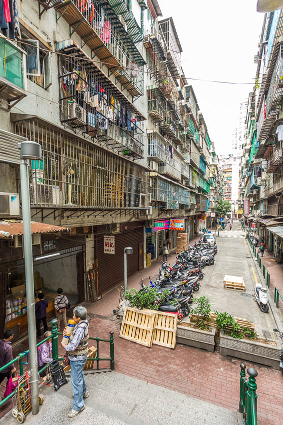 Macau: Picture of street.