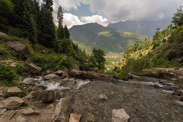 Picture of scenery around Vashisht, India.