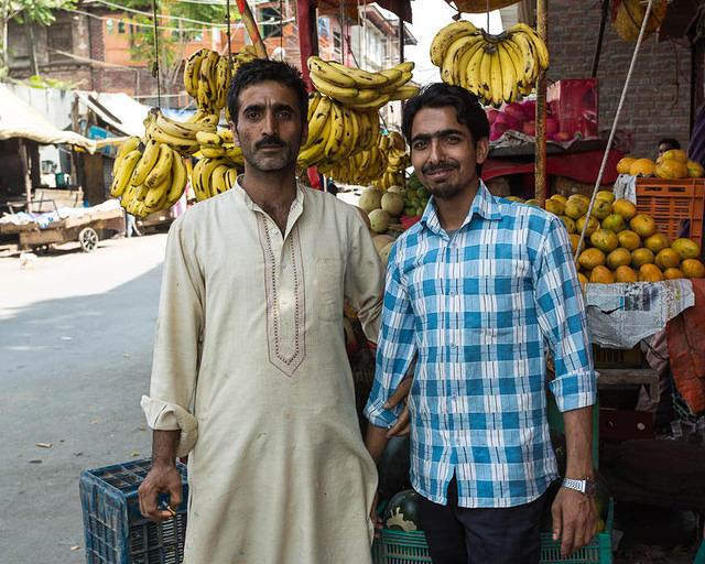 India: Picture of fruit vendors in Srinagar, India.