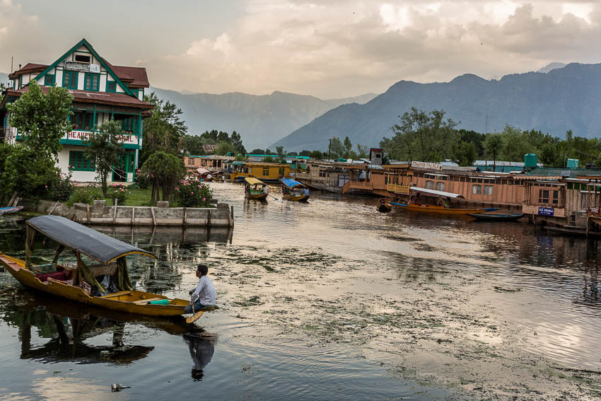 Picture of Dal Lake.