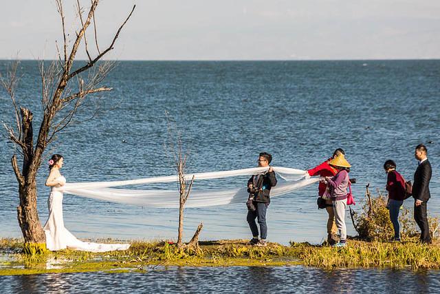 Erhai Lake: Picture of wedding photography at Erhai Lake.