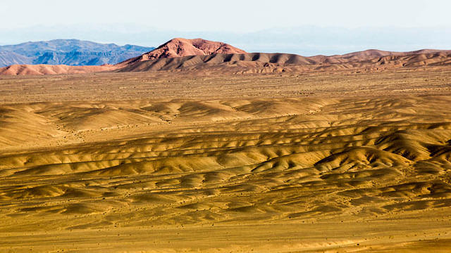 Gobi: Picture of desert.