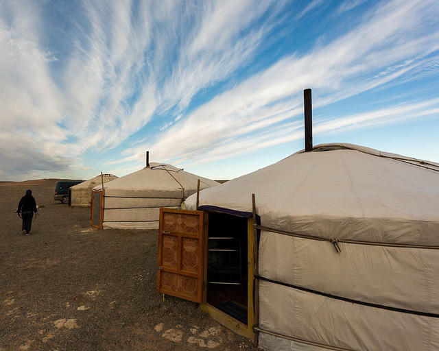 Gobi: Picture of ger camp.