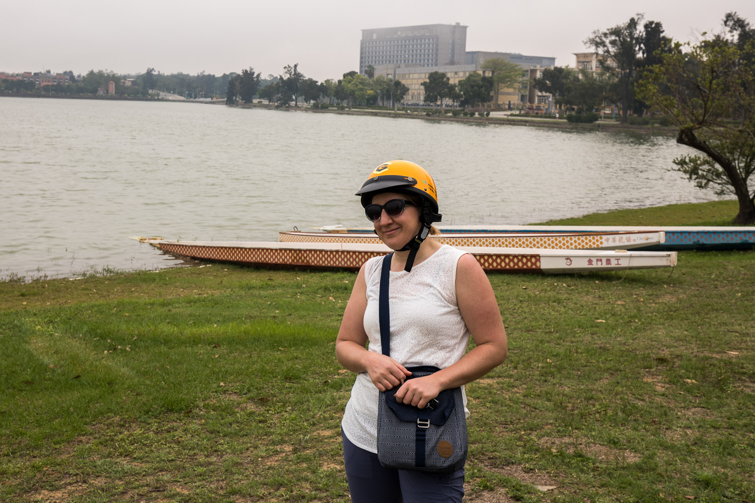 Kinmen: Picture of Katie in front of dragon boats.