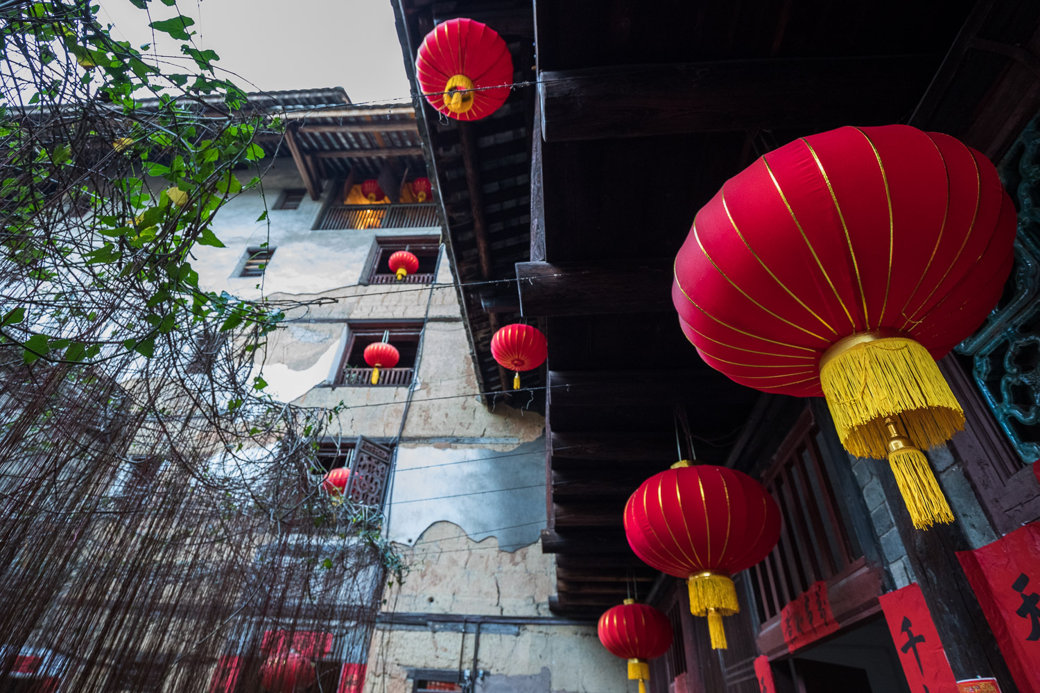 Picture of red lanterns in a Chinese guesthouse.