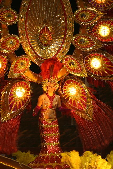 Picture of a Carnaval dancer.